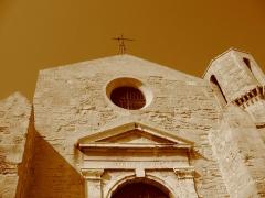 Eglise et baptistère Saint-Laurent - English: St. Lawrence Church in Marseille, France
