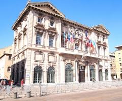 Hôtel de ville - English: L' Hotel de Ville in Marseille near Vieux-Port.