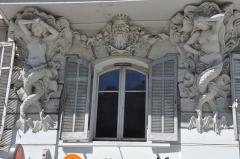 Maison - Français:   Marseille (Bouches-du-Rhône, 13) :cariarides de l\'hôtel Pesciolini