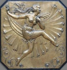 Opéra municipal -  Allégorie de la Danse: médaillon en bronze de style art déco  sur les grilles du péristyle de l'Opéra de Marseille