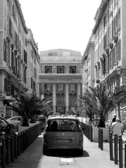 Opéra municipal -  Road leading to the opera house in Marseilles