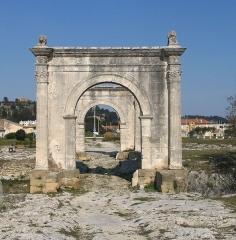 Pont Flavien - Deutsch: Pont Flavien, eine römische Brücke in Saint-Chamas (Frankreich)
