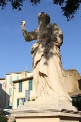 Eglise Saint-Laurent - English: Statue of Isaiah near the collegiate church Saint-Laurent in Salon-de-Provence (Bouches-du-Rhône, France)