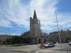 Eglise Sainte-Marthe - English: Château de Tarascon