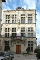 Hôtel de ville -  Hôtel de Ville (17ème)