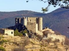 Remparts - Français:   ruines du château de Bargème