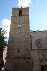 Eglise collégiale Notre-Dame dite aussi collégiale Saint-Marcel - Deutsch: Katholische Pfarrkirche Notre-Dame-de-l'Assomption in Barjols, einer Gemeinde im Département Var in der französischen Region Provence-Alpes-Côte d'Azur, Glockenturm