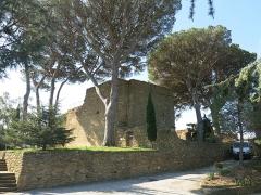 Château des Seigneurs de Foz (restes) - English: Castle of knights of Fos in Bormes-les-Mimosas (Var, France).