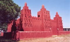 Mosquée de Missiri -  Mosquée Missiri, Fréjus. Replica of Great Mosque of Djenné.