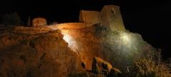 Chapelle de style roman (vieille) -  The chapel of La Garde by night