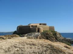 Batterie du Pradeau, dite aussi la Tour Fondue -  Tour Fondue à Giens