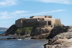 Batterie du Pradeau, dite aussi la Tour Fondue -  Ile de la Tour Fondue