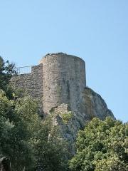 Château -  Tour nord du château médiéval d'Hyères. Photo prise extra-muros.