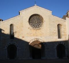 Eglise Saint-Louis - Deutsch: Kirche Saint-Louis in Hyères