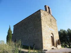 Chapelle Saint-Pierre - English: Chapelle St Pierre à Roquebrune sur Argens - visible à la sortie du village