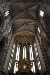 Basilique Sainte-Marie-Madeleine£ - Deutsch: Basilika Sainte-Marie-Madeleine de Saint-Maximin-la-Sainte-Baume: Blick ins Gewölbe des Chores