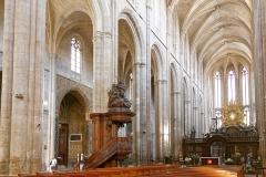 Basilique Sainte-Marie-Madeleine£ - Deutsch: Hauptschiff und Chor der Basilique Sainte-Marie-Madeleine in Saint-Maximin-la-Sainte-Baume