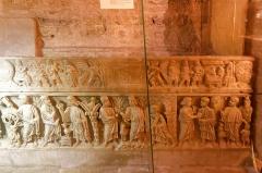 Basilique Sainte-Marie-Madeleine£ - Deutsch: Sarkophag des heiligen Maximinus in der Krypta der Basilique Sainte-Marie-Madeleine in Saint-Maximin-la-Sainte-Baume