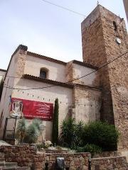 Eglise  et tour attenante - Français:   Eglise des Templiers de Saint-Raphaël (83)