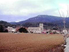 Eglise -  vue de l'église de Signes