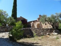 Chapelle Notre-Dame de la Pépiole - Français:   La chapelle de Pepiole vue dans le domaine planté d\'oliviers et cyprès