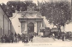 Musée de la Marine - Français:   Carte postale ancienne éditée par EL : TOULON - L\'Arsenal - Sortie des Ouvriers