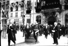 Ancien Hôtel de ville, actuellement office de tourisme - Occitan: ostau de vila de Tolon en 1913 emé lo president Poincaré