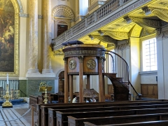 Hôtel de Montfaucon - English: The nave pulpit of the Chapel of St Peter and St Paul in the Old Royal Naval College, (Royal Naval College), previously Greenwich Hospital, in Greenwich, London, England. Camera: Canon PowerShot SX60 HS. Software: file lens-corrected and optimized with DxO PhotoLab Elite and Viewpoint 3, and further optimized with Adobe Photoshop CS2.