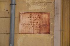 Immeuble dit maison du roi René - Plaque indicative