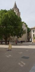 Maison - English: The Place Saint Didier in Avignon