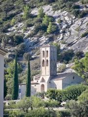 Chapelle de Notre-Dame-d'Aubune - English: view of the Chapel of Our Lady of Aubune from the winery Beaumes de Venise
