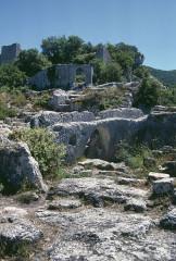 Fort (vestiges du) - Deutsch: Fort Buoux