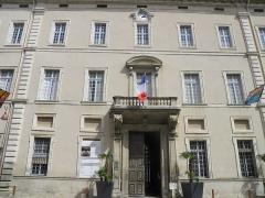 Palais épiscopal - Français:   Mairie de Carpentras (Vaucluse, France).