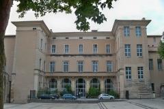 Palais épiscopal - English: Arrière du Palais de Justice de Carpentras (Vaucluse), ancien Palais Episcopal
