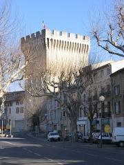Porte d'Orange - Français:   Une porte fortifiée de la ville de Carpentras (Vaucluse, France)