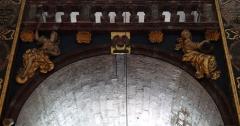 Eglise paroissiale Notre-Dame-des-Anges - Français:   Collégiale Notre-Dame des anges- Sculptures de Jean Péru (1650-1723) représentant des figures allégoriques: à gauche la force et à droite la perfection