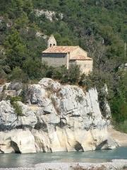 Chapelle Sainte-Madeleine - Français:   La chapelle Sainte-Madeleine, perchée sur un rocher dominant la Durance à l\'entrée du défilé de Mirabeau (Vaucluse).