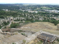 Château (restes du) - English: Mornas Fortress (Middle Ages) (Vaucluse, France): southern view