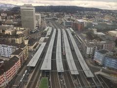 Hôtel Monier-Vinard - Deutsch: Bahnhof Zürich-Oerlikon im Januar 2019