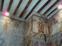 Tour Ferrande - Français:   fresques de la Tour Ferrande à Pernes les Fontaines, Vauccluse, France