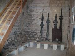 Tour de l'Horloge, dit aussi ancien château des comtes de Toulouse - Français:   Ancien mécanisme de l\'horloge de Pernes les Fontaines, Vacluse, France