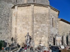 Eglise paroissiale Notre-Dame-de-Pitié - Français:   abside de l\'église de Saignon, Vaucluse, France