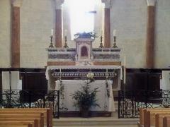Eglise paroissiale Notre-Dame-de-Pitié - Français:   Autel de l\'église de Saignon (Vaucluse, France)