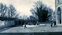 Etablissement conventuel  dit Sainte-Garde-des-Champs - Français:   Orphelinat laïque de Sainte-Garde en 1940