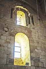 Eglise paroissiale de la Trinité - Deutsch: St-Trinit, Chorjoch, Südwand, Fenster