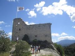 Château (ruines) et rocher qui les porte -  in Vaison la romain