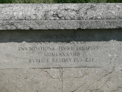 Pont romain -  Inscription on the Roman Bridge