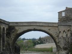 Pont romain - Deutsch:   Die Römerbrücke (Vaison-la-Romaine) in Frankreich.