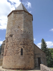Eglise Saint-Pierre - Français:   Audrix - Église Saint-Pierre - Clocher donjon polygonal construit sur le chevet primitif