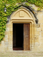 Château de la Faye - Français:   Porte du château de la Faye, Auriac-du-Périgord, Dordogne, France.